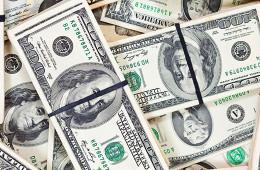 Доллар впервые в истории превысил отметку в 39,5 руб.