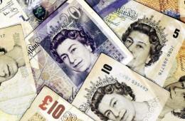 Пара GBP/USD ослабла, несмотря на сильные британские стройданные