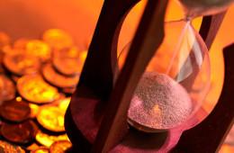 Moody's: российские компании выплатят $100 млрд долга в 2015 году