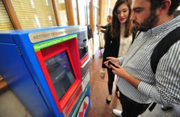 Москвичи смогут оплачивать проезд в метро банковской картой