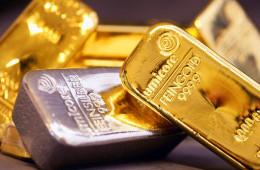 Инвесторы сплавляют золото