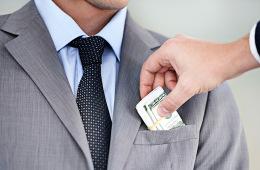 Заемщиков подсадили на валюту