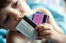 Банки опасаются, что НСПК не позволит им бесперебойно обслуживать карты в случае санкций