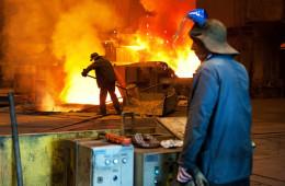 Девальвация в помощь металлам