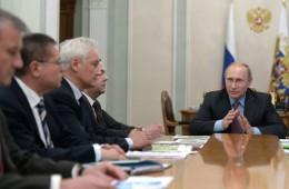 Путин поручил правительству проработать вопрос повышения пенсионного возраста