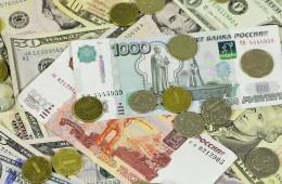 Высокие рублевые ставки помогли рублю обновить максимум к евро