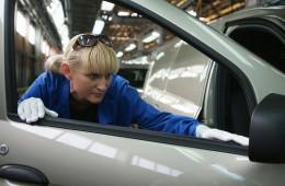 «АвтоВАЗ» с 1 июня повышает зарплату штатным сотрудникам на 6%
