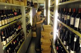 Глава Минсельхоза РФ: розлив импортного виноматериала под российскими брендами недопустим