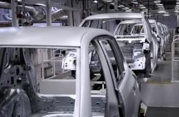 Цены на новые автомобили в России вырастут на 20-25%