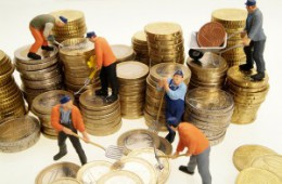 В России отрегулируют средние зарплаты