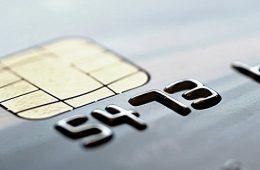 Глава НСПК Комлев поспорил с Грефом об уходе в небытие карт и банков