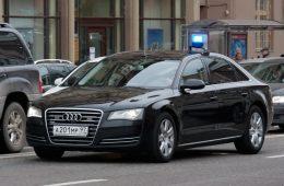 ФАС обнаружила нарушения при закупке автомобилей для МВД