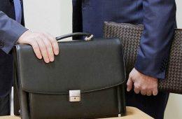 Российским чиновникам поднимут зарплату на 38%