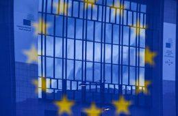 Половина стран ЕС могут вынести вопрос по CETA на референдумы
