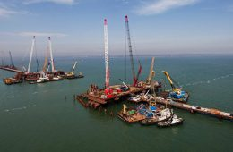 Аксенов исключил срыв сроков по возведению «Тавриды» и моста через пролив