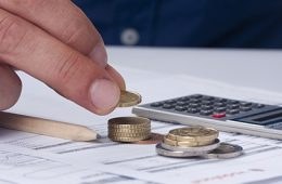 Банки вступили в гонку за ипотечными заемщиками