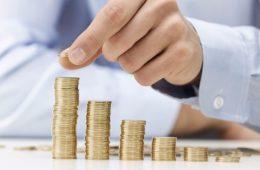 Исследователи рассказали, какому количеству жителей России удается копить деньги на «черный день»
