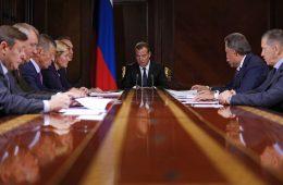 Медведев утвердил научно-техническую программу развития АПК до 2025 года