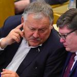 Госдума приняла в первом чтении законопроект об информировании заемщиков о долге после каждой операции