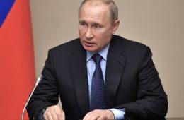 Путин подписал закон об освобождении от использования онлайн-касс в ряде торговых операций