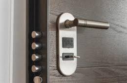 Как правильно выбрать замок для двери