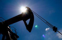 Мировой рынок нефти частично находится в дефиците, считает Новак