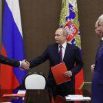 Путин обсудил с Совбезом безопасность российских военных в Сирии