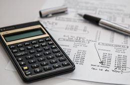 Две трети россиян заявили о хранении сбережений в рублях