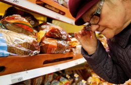 ФАС объяснила, почему цены на продукты должны расти