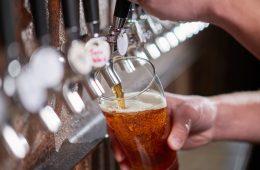 В Госдуме предложили разрешить рекламу пива