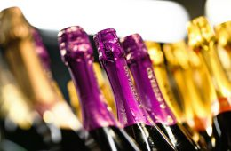 Игристые вина со Знаком качества начнут продвигать в магазинах