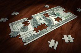 Курс доллара опустился ниже 64 рублей впервые с марта