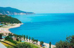 Расскажите о том, где лучше отдохнуть на черноморском побережье
