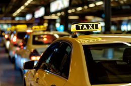Из-за «серых» таксистов бюджет теряет шесть миллиардов рублей в год