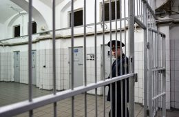 МВД готовит меры по отключению сотовой связи в тюрьмах