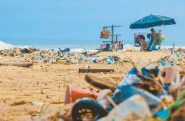 Россию задушили полиэтиленом: кому не выгоден запрет пластика