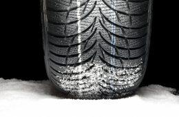Зимние шины на собственное авто: когда менять и покупать