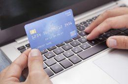 Как получить кредит на карту, не посещая банк