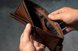 Счетная палата признала провальными попытки достичь достойных пенсий в России