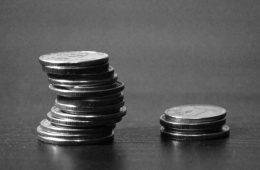 Банки ограничили возможность уходить в минус по дебетовым картам