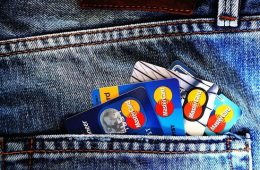 Банки планируют списывать комиссии со «спящих» счетов