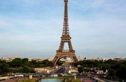 Франция столкнулась с экономической катастрофой