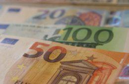 Кредитно-вирусная политика: долговая нагрузка россиян снизилась впервые за шесть лет