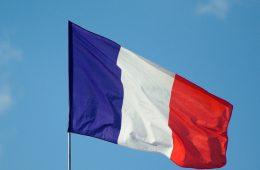 Во Франции намерены получить сигналы от России для снятия санкций