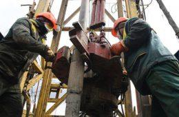 Россия снизила добычу нефти и газа