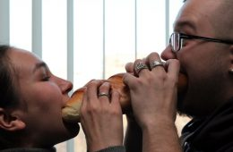 Обедневшие россияне начали утолять голод хлебом