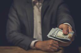 Деньги в долг в Москве: почему лучше не обращаться в МФО
