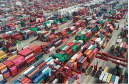 Торговой войне Китая и США предрекли продолжение при Байдене