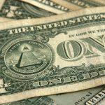Доллар и евро подорожали по итогам основной валютной сессии