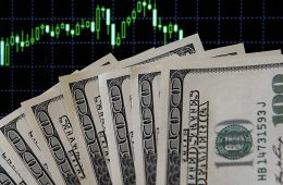 Экономист спрогнозировал курс доллара и евро на март